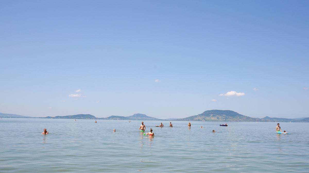 Megfizethetetlen árak uralkodnak a Balatonon: ennyibe kerül egy családi nyaralás