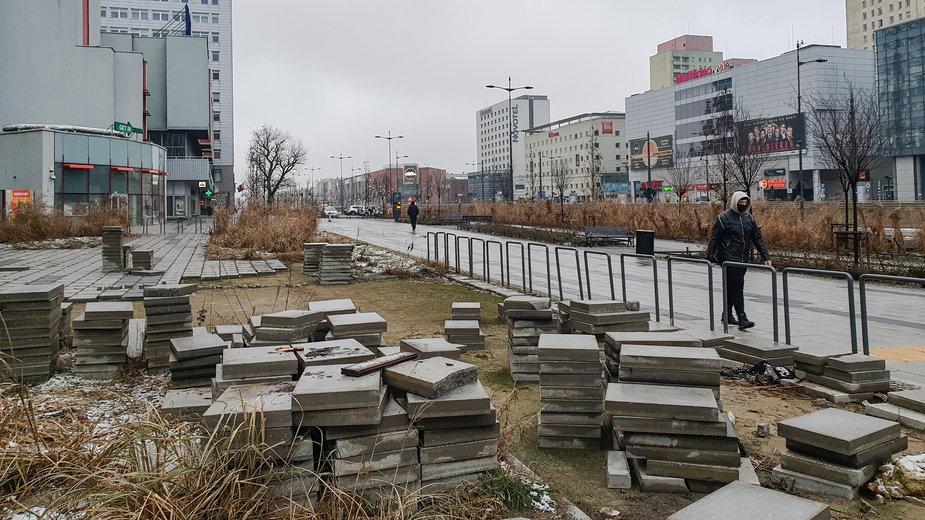 Piotr Misztal usunął sławojki ze swojej działki w centrum Łodzi