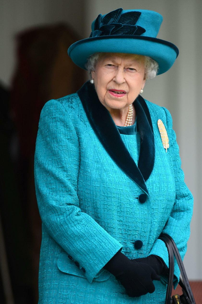 Królowa Elżbieta nie pojawiła się na ślubie swojego kuzyna i jego partnera