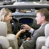 NE DOZVOLITE DA VAS NASAMARE: Ovo su KLJUČNE stvari koje treba da proverite kada kupujete automobil