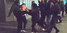 Przerażający film ze strajku kobiet. Kopnął kobietę w brzuch