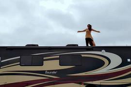 HELIKOTER, LIMUZINA I ŠAMPANJAC Naša pevačica u Las Vegasu uživa za sve pare