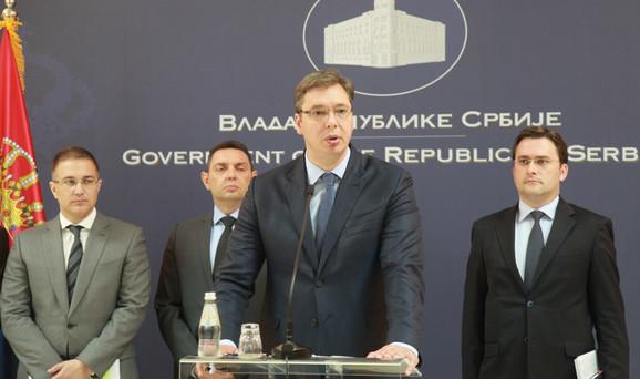 Aleksandar Vučić i ministri na pres konferenciji