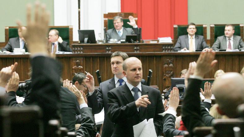 W październiku rząd zasypie parlament projektami ustaw
