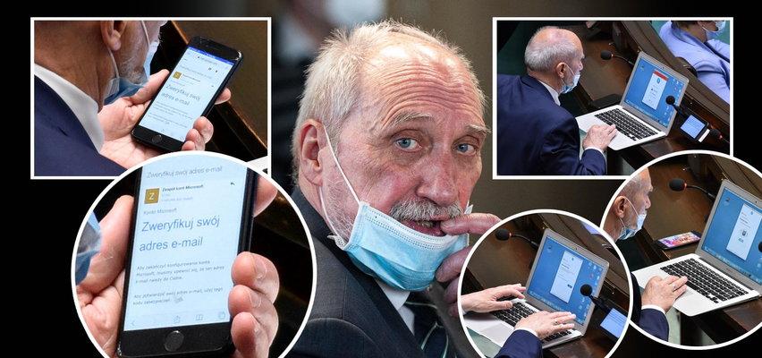 Macierewicz loguje się na prywatnych kontach w czasie obrad Sejmu. Niemczyk: Sprawny haker ukradłby mu hasła