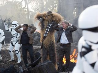2015 - Star Wars: The Force Awakens - Movie Set