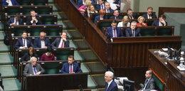 """""""Początek polexitu"""". Burzliwe reakcje po expose szefa MSZ"""
