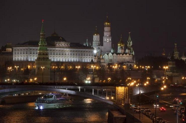 325161_kremlj-u-mraku-sat-za-planetu-ap