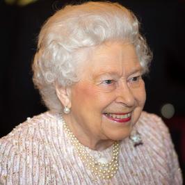 Elżbieta II skończyła dziś 91 lat. Jak wyglądała w młodości?