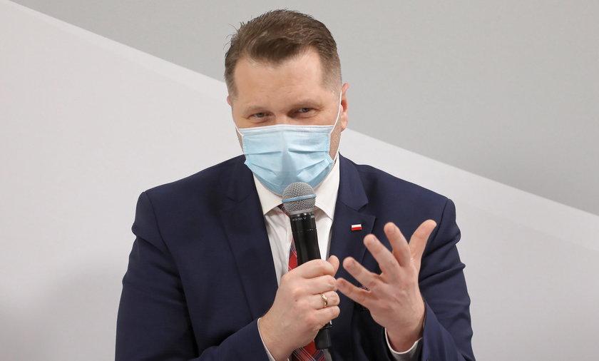 Przemysław Czarnek o powrocie uczniów do szkół od 4 maja do 31 maja