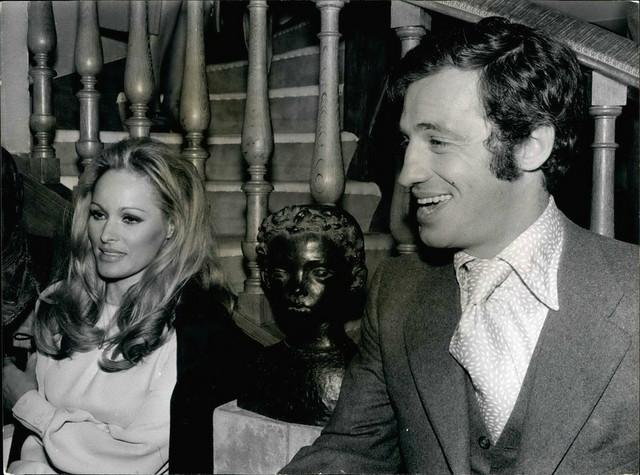Žan Pol Belmondo sa devojkom Ursulom Anders