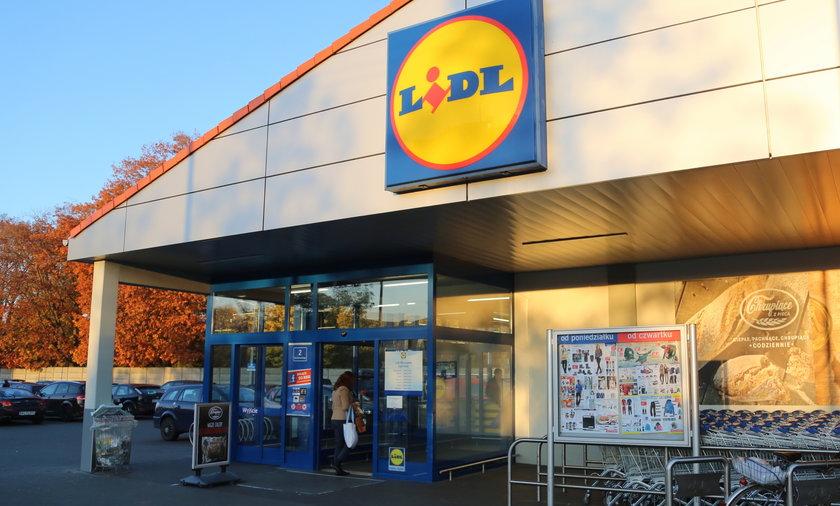 """Lidl apeluje o zwrot """"akumulatorowego reflektora"""", który był w sprzedaży od 14 do 19 stycznia 2016 r. Sprzęt może wybuchnąćpodczas ładowania!"""