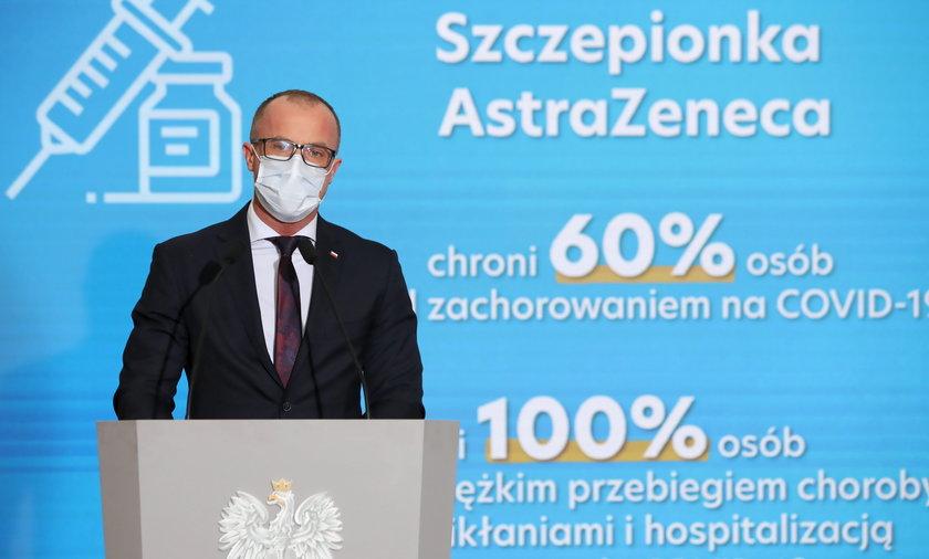Koronawirus. Szczepienie nauczycieli szczepionką AstraZeneca