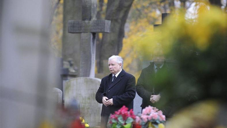 Jarosław Kaczyński na warszawskich Powązkach
