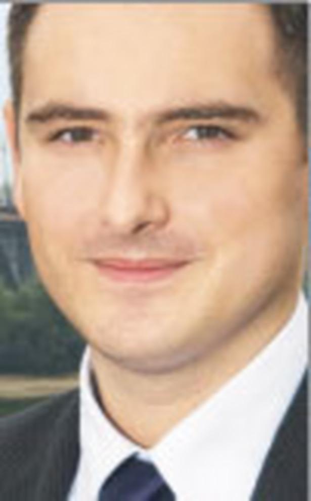 Filip Elżanowski, dr, ekspert w dziedzinie prawa energetycznego oraz innych przepisów dotyczących rynków regulowanych