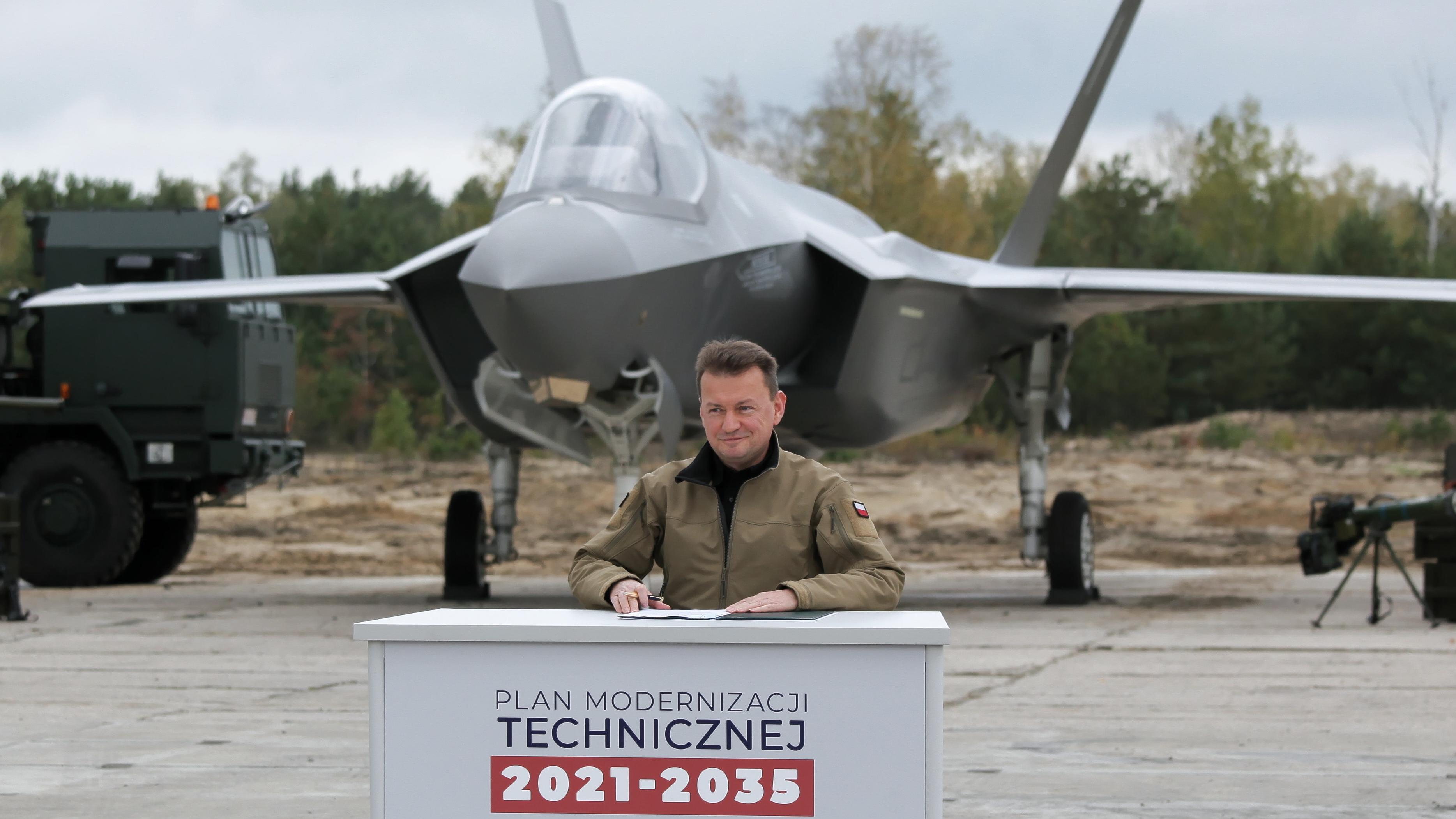 Polska kupi F-35. Mariusz Błaszczak ujawnił kwotę - Wiadomości