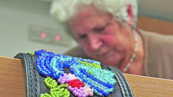 Pažljiv i predan rad da bi se došlo do ukrašenog pojasa