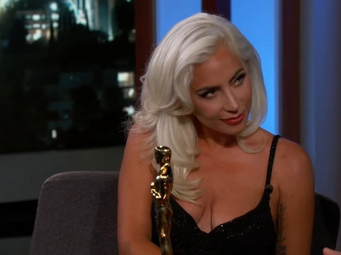 "Gaga konačno progovorila povodom glasina da ČEKA BEBU sa Bredlijem: ""Da, TRUDNA SAM, ALI..."""