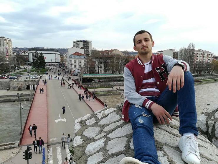 Student, Đorđe Antić, Facebook