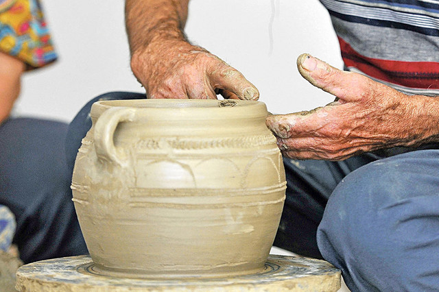 Više od 300 godina se u Zlakusi grnčarski zanat prenosi sa kolena na koleno