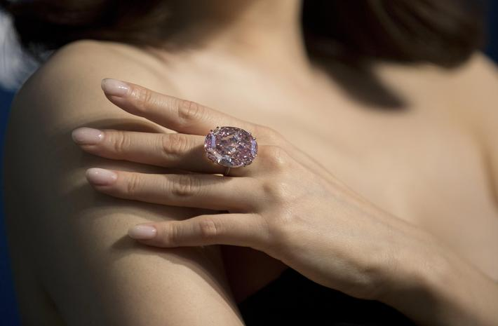 Pink Star diamond sets new world record at Sotheby's auction in Hong Kong