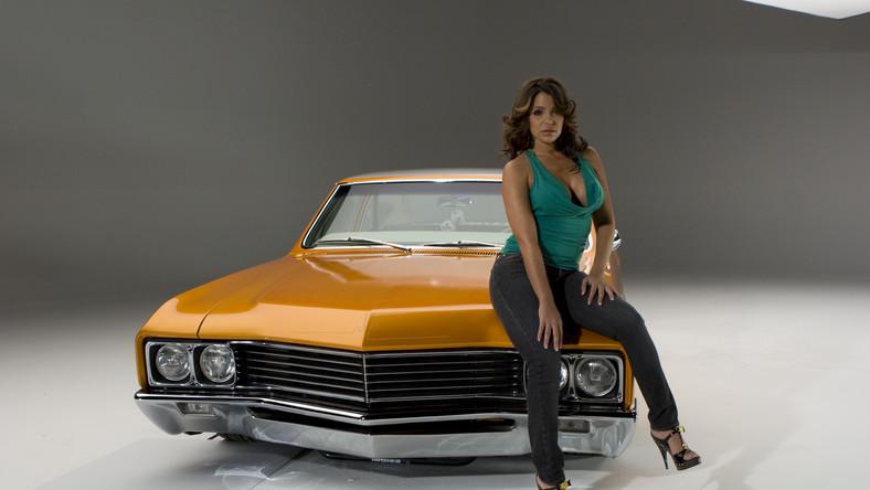 Kubanka Vida Guerra w sesji dla magazynu Low Rider