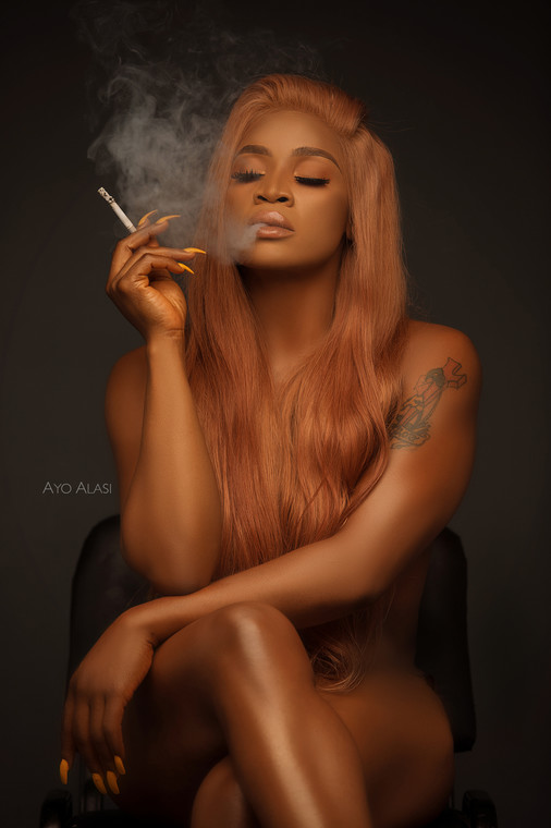 It's Friday guys and Uche Ogbodo is setting the tone for the weekend with some really dripping hot and nude photos to mark her birthday [TribesmenAgency]