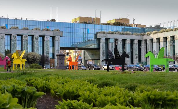 Samorządy zawodowe adwokatów i radców prawych chcą, by prezydent poczekał na orzeczenie TSUE