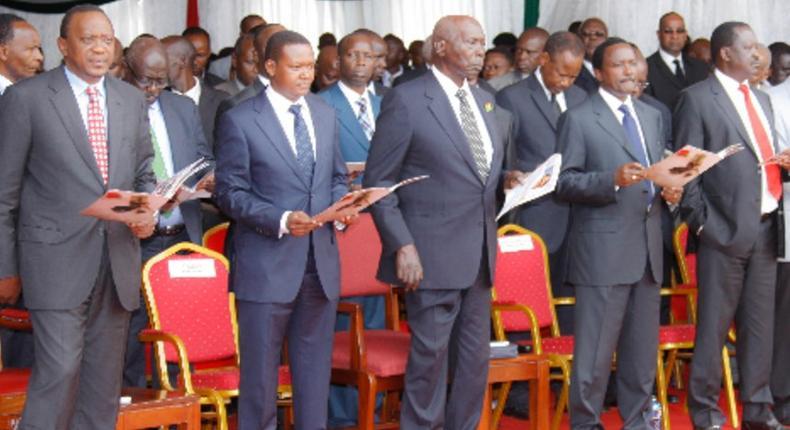 President Uhuru Kenyatta (left) Machakos Governor Alfred Mutua, Former President Daniel Moi, Kalonzo Musyoka and former Prime Minister Raila Odinga