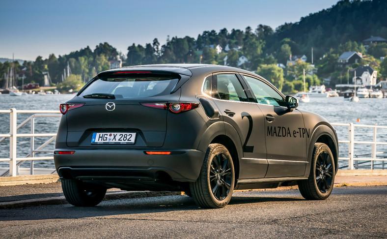 Mazda - nowy samochód elektryczny w skórze CX-30