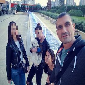 Igor X sa ćerkama