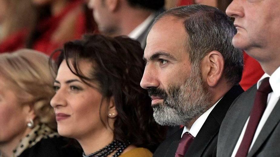 Premier Armenii Nikol Paszynian ze swoją żoną