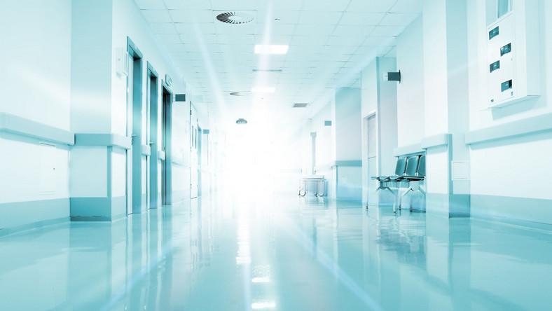 Szpital, korytarz