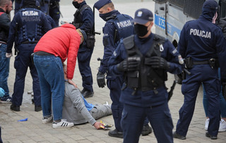 Strajk przedsiębiorców. Policja użyła gazu wobec protestujących