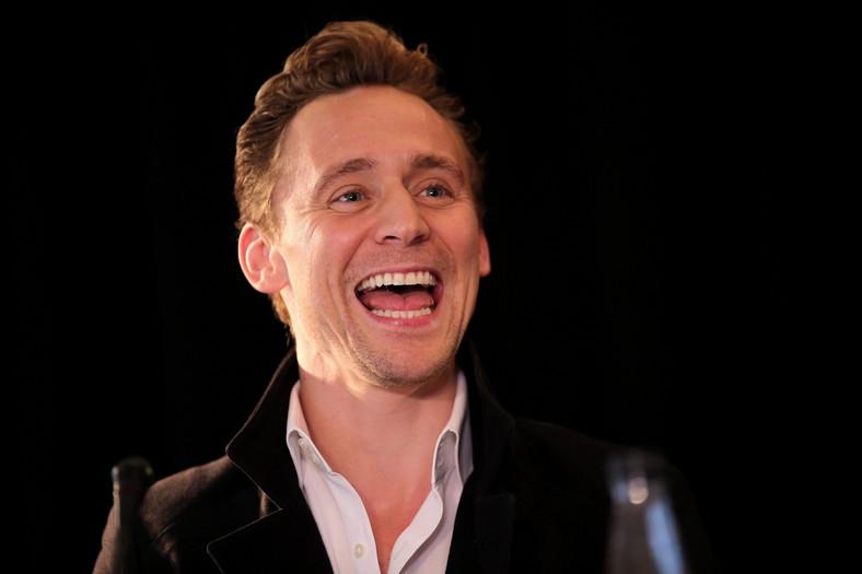 """Tom Hiddleston promował w Hanoi swój nowy film """"Kong: Skull Island"""""""