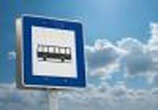 Przewoźnicy wygrywają w sądach: Samorządy muszą zróżnicować opłaty za zatrzymywanie się autobusów na przystankach
