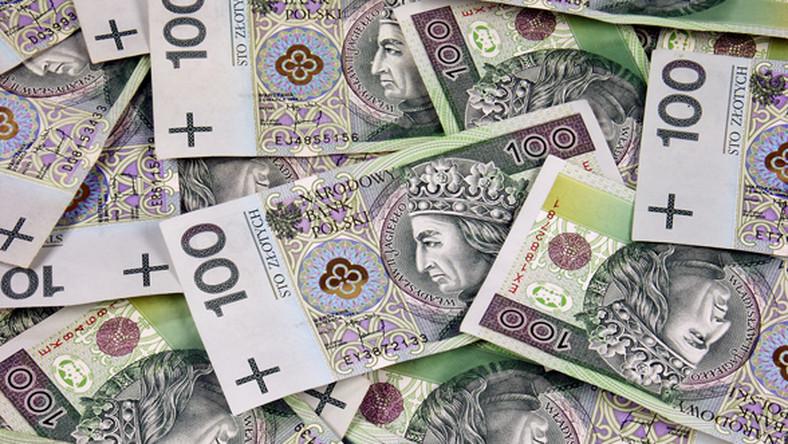 Polacy wpadli w spiralę zadłużenia