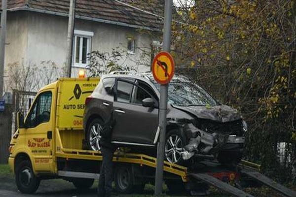 Olivera Balašević imala saobraćajnu nezgodu, auto SMRSKAN!