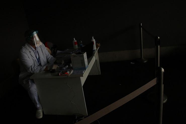 virus korona medicinski-radnici--09