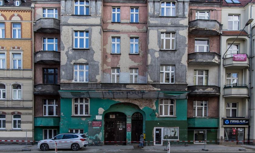 W tej niepozornej kamienicy w dzieciństwie mieszkał Krzysztof Krawczyk