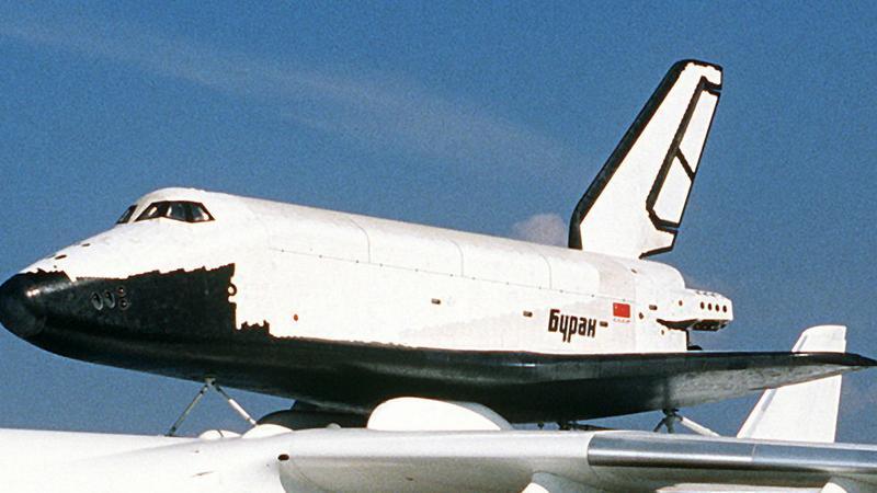 Buran na grzbiecie An-225 w 1988 roku