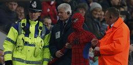 Superbohater przerwał mecz w Premier League!