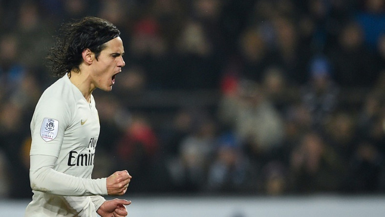 Edinson Cavani maintained Paris Saint-Germain's unbeaten Ligue 1 record with a second half penalty