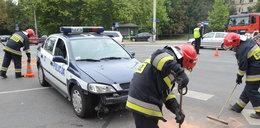 Kierowca bez prawka wjechał w radiowóz