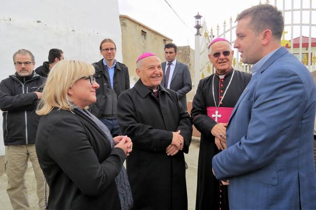 Minister do spraw pomocy humanitarnej podkreśliła również, że konieczne jest spisanie wszystkich krzywd wyrządzonych jezydom i chrześcijanom przez IS.