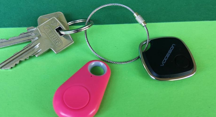 Zwei Bluetooth-Schlüsselfinder für 3 bis 10 Euro im Test