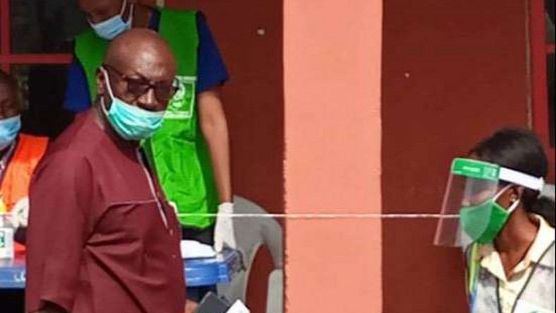 APC candidate, Osagie Ize-Iyamu before casting his vote on Saturday, September 19, 2020. (Punch)