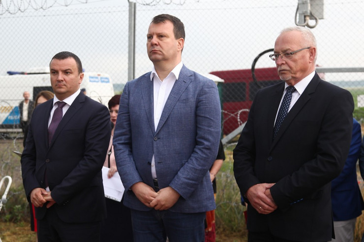 Igor Mirović, Granica, Srbija, Mađarska, Rumunija