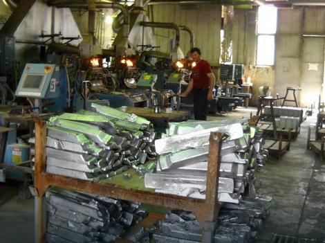Posebno su ugroženi radnici u trgovini i proizvodnji