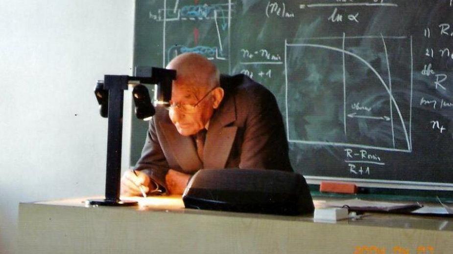 prof. Roman Koch